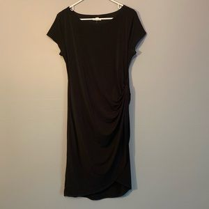 Short Sleeved black dress with left-side rouching